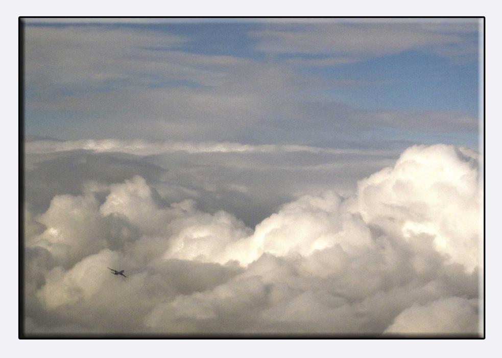 photoblog image Eight miles high
