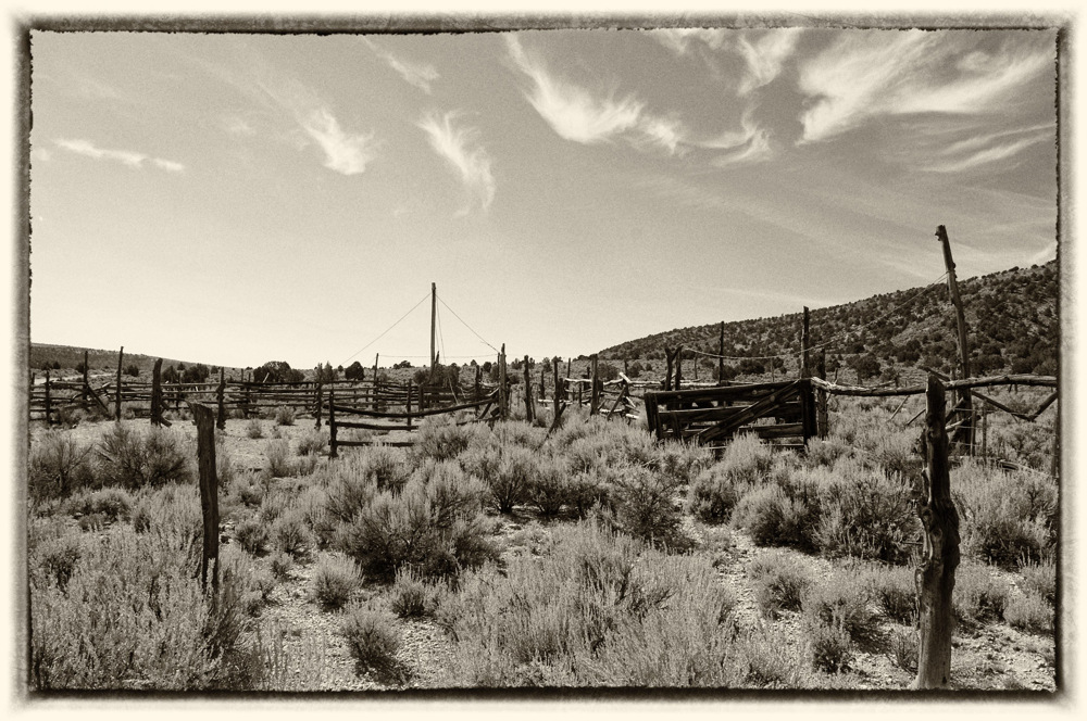 photoblog image House rock road corral